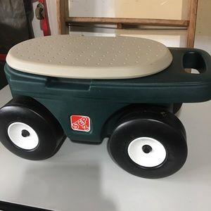 Step 2 Gardening Cart & Seat NWOT